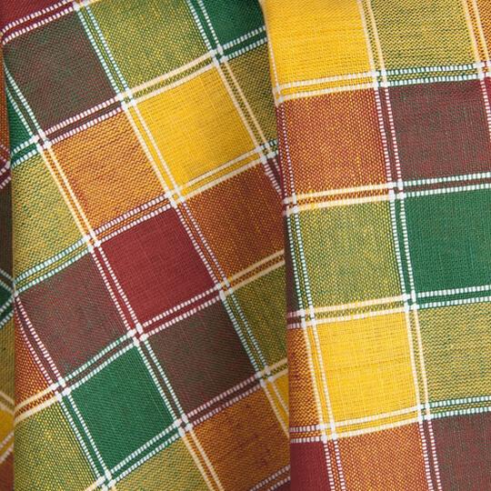 Flerfargete og mønstrete lin stoff